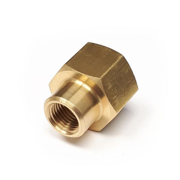 33040402 1/4 - 1/8 BSP Reducing Socket