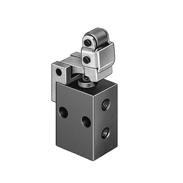 L-3-M5 Rollar Lever Valve with Idle Return